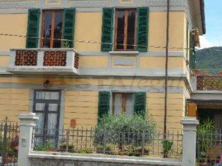 Foto 1 di Quadrilocale via di cantagallo 118, Prato (zona Figline Galceti)