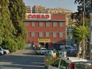 Foto 1 di Appartamento Via Cornigliano, Genova
