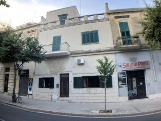Foto 1 di Palazzo / Stabile viale dell' Università, Lecce