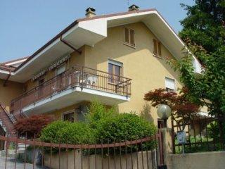 Foto 1 di Villa strada della Rezza, Chieri