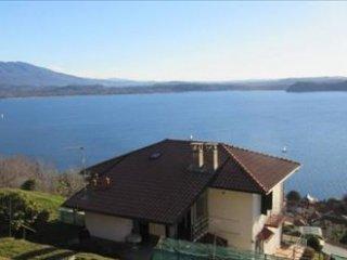 Foto 1 di Appartamento Posizione dominante con vista lago, Belgirate