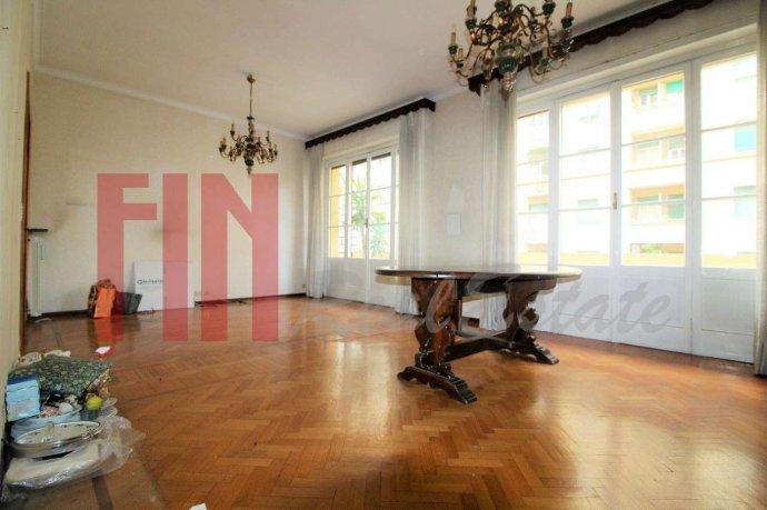 Foto 4 di Appartamento via Magnaghi, Genova (zona Carignano, Castelletto, Albaro, Foce)