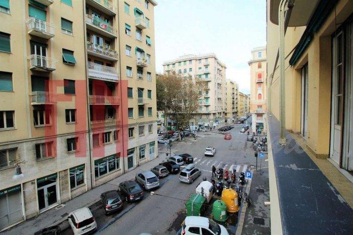 Foto 18 di Appartamento via Magnaghi, Genova (zona Carignano, Castelletto, Albaro, Foce)