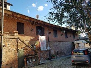 Foto 1 di Villa strada Basse del Lingotto 11, Torino (zona Mirafiori)