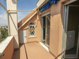 Foto 1 di Appartamento via Puggia 23, Genova (zona Carignano, Castelletto, Albaro, Foce)
