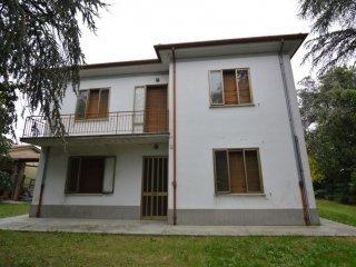 Foto 1 di Casa indipendente Via Pasquala, Imola