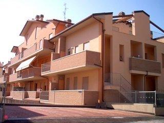 Foto 1 di Trilocale Castel Bolognese