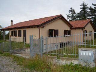 Foto 1 di Casa indipendente loc.Manzone,  Alto Reno Terme