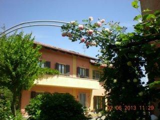 Foto 1 di Casa indipendente Cavour
