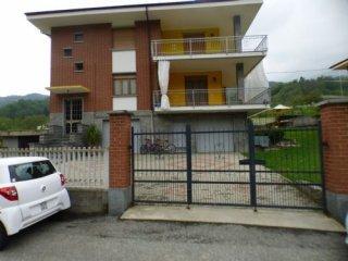Foto 1 di Appartamento via Paesana, Barge