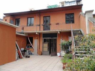 Foto 1 di Casa indipendente Torino