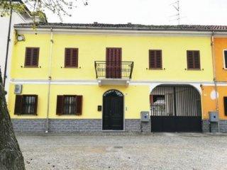 Foto 1 di Casa indipendente Piazza Dante, Bianzè
