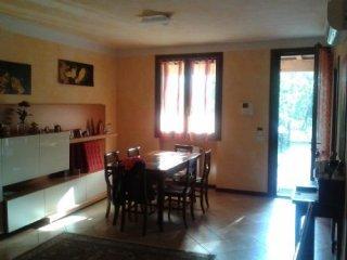 Foto 1 di Villetta a schiera Martorano, Parma