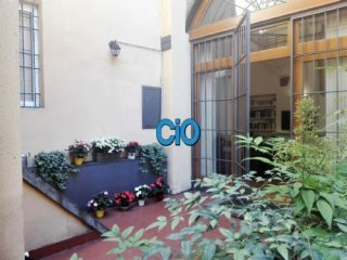 Foto 1 di Loft / Open space piazza di porta ravegnana, Bologna