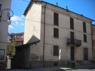 Foto 1 di Casa indipendente via Roma, Nizza Monferrato