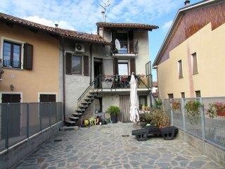 Foto 1 di Casa indipendente via Tanaro snc, frazione Canove, Govone