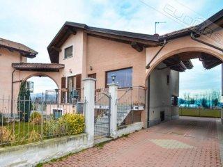 Foto 1 di Villa strada Paglieri 1, Pinerolo