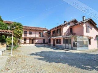Foto 1 di Rustico / Casale strada dei Rivetti 31, Pinerolo