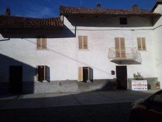 Foto 1 di Rustico / Casale via Tanaro 17-23, frazione Canove, Govone