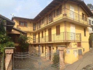 Foto 1 di Casa indipendente via Ruata 35, Corneliano D'alba