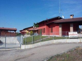 Foto 1 di Villa strada della Fiorentina 8, Pralormo