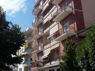 Foto 1 di Appartamento viale Professor G Gabetti 36, Dogliani