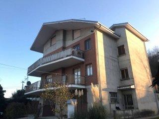 Foto 1 di Quadrilocale Località Vignano, Monteu Roero