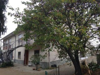 Foto 1 di Villa Frazione Chiesa Vecchia, Calamandrana