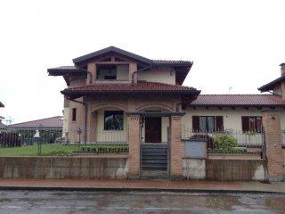 Foto 1 di Casa indipendente via Angiale 21, Osasio