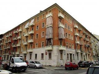 Foto 1 di Bilocale via Orta 12, Torino (zona Parella, Pozzo Strada)