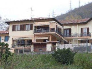 Foto 1 di Villetta a schiera via Bertogna 17, Omegna