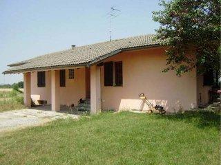 Foto 1 di Villa strada Fubine, Felizzano