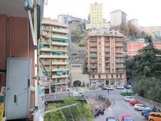 Foto 1 di Appartamento Via Ginestrato, Genova