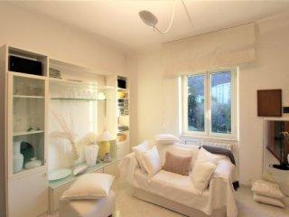 Foto 1 di Appartamento Via Pinetti, Genova