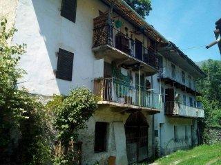 Foto 1 di Palazzo / Stabile Bobbio Pellice