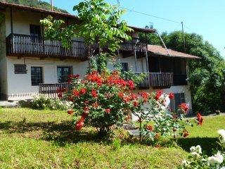 Foto 1 di Casa indipendente via Montebracco, snc, Envie