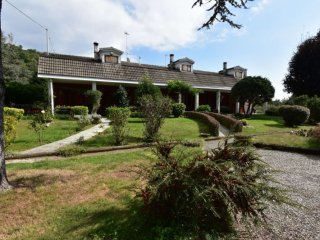Foto 1 di Villetta a schiera Coassolo Torinese