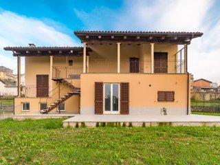Foto 1 di Casa indipendente La Morra