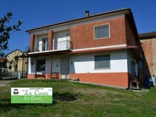 Foto 1 di Casa indipendente Frazione Bricco Rossi 1, Roatto