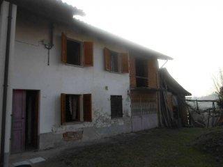 Foto 1 di Casa indipendente Capriglio