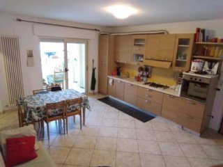 Foto 1 di Appartamento via roma, Silvi