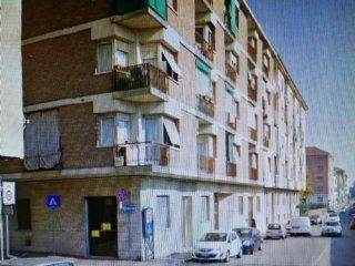 Foto 1 di Negozio corso gramsci, Asti