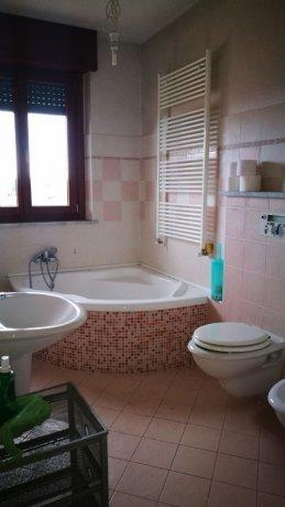 Foto 6 di Appartamento strada sesia, Asti