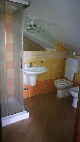 Foto 12 di Appartamento strada sesia, Asti