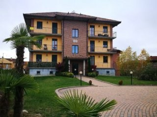 Foto 1 di Appartamento strada sesia, Asti