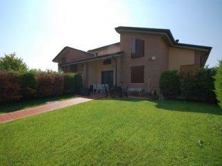Foto 1 di Villa monticelli, Montechiarugolo