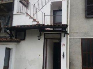 Foto 1 di Casa indipendente via calvi, Montemagno