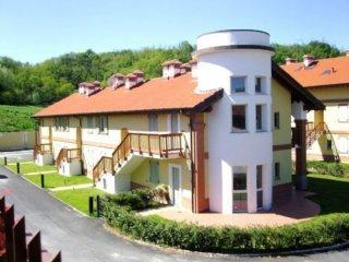 Foto 1 di Appartamento Golf Feudo, Asti
