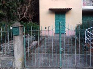 Foto 1 di Appartamento Via San terenziano, Leivi