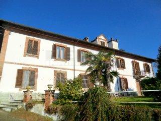 Foto 1 di Villa Strada Valgera, Asti